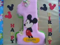 Mickey Mouse Shape Cake 4 Kg
