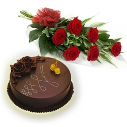 Delicious Cake N Red Roses