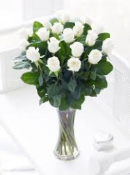 12 White Roses In Glass Vase