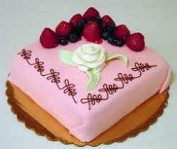 Strawberry Cake - 1/2 Kg Or 1 Pound