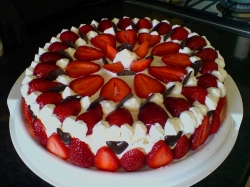 Strawberry Cake - 1 Kg Or 2 Pound