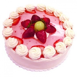 Strawberry Cake  1  And 1/2 Kg Or 3 Pound