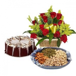 Red Rose Extra Ordinary Gift Hamper
