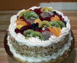 Fresh Fruit Cake   1 And 1/2  Kg Or 3 Pound