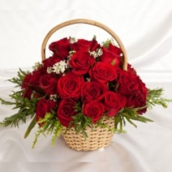 15 Red Rose Basket