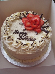 Fresh Cream Cake- 10 Inches